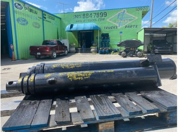 """2006 COMMERCIAL 3 STAGE 51"""" CENTER TO CENTER HYDRAULIC CYLINDER"""