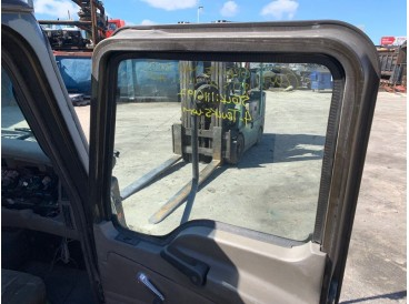 2007 MACK GRANITE DOOR