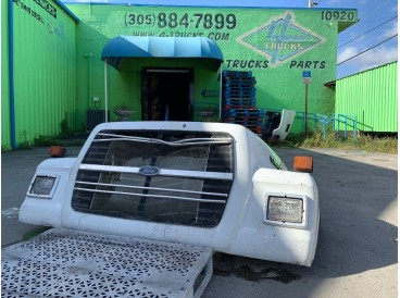 1995 FORD L9000 HOODS