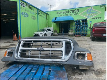 2004 FORD F650 HOODS