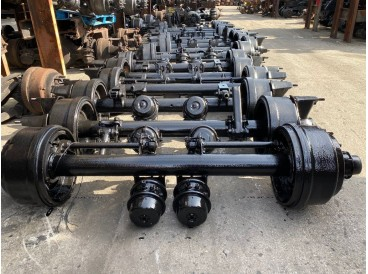 2000 HENDRICKSON TRAILER AXLES, BUDD HUBS, METRIC PILOT HUBS AND SPOKE DAYTON HUBS